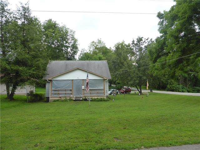 11101 E 20th Avenue, Independence, MO 64052 (#2334727) :: Edie Waters Network