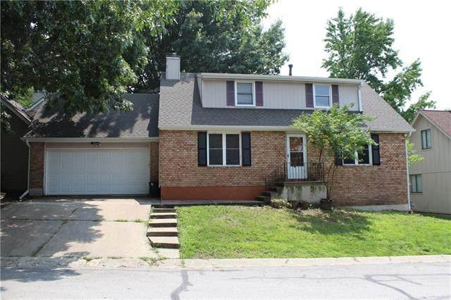 300 NW Sherwood Drive, Blue Springs, MO 64014 (#2334788) :: The Kedish Group at Keller Williams Realty