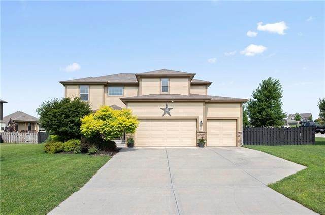 884 Clearview Drive, Lansing, KS 66043 (#2334873) :: Tradition Home Group | Better Homes and Gardens Kansas City