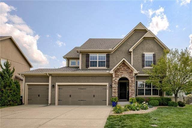 408 SW Newport Drive, Blue Springs, MO 64014 (#2334930) :: Five-Star Homes