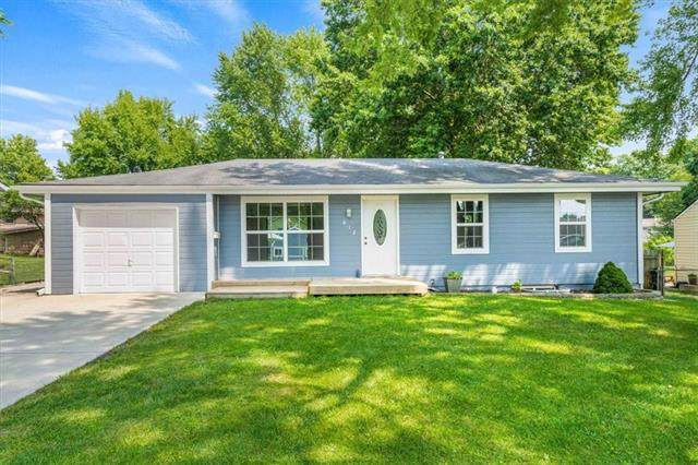 612 Obrien Road, Lee's Summit, MO 64063 (#2334955) :: The Shannon Lyon Group - ReeceNichols