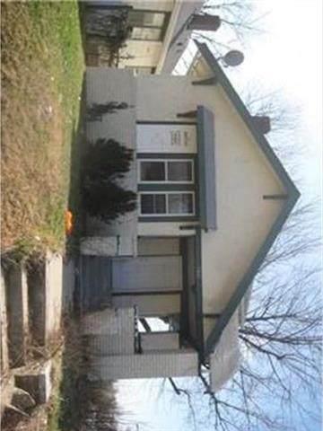3801 E 39th Street, Kansas City, MO 64130 (#2335000) :: The Shannon Lyon Group - ReeceNichols