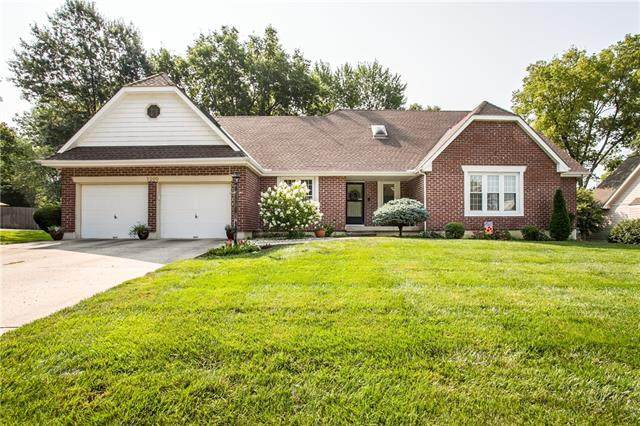 2200 NW Fawn Drive, Blue Springs, MO 64015 (#2335047) :: Ask Cathy Marketing Group, LLC