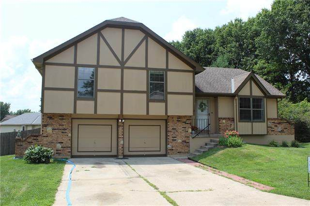 16501 E 50th Street Court, Independence, MO 64055 (#2335101) :: The Kedish Group at Keller Williams Realty