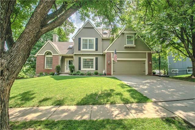 13819 Pembroke Lane, Leawood, KS 66224 (#2335120) :: Tradition Home Group | Better Homes and Gardens Kansas City