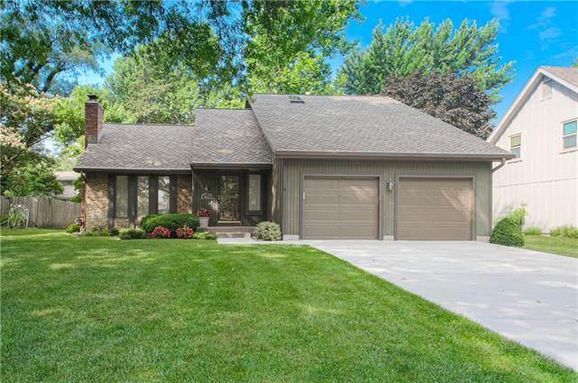8920 Twilight Lane, Lenexa, KS 66219 (#2335133) :: Eric Craig Real Estate Team