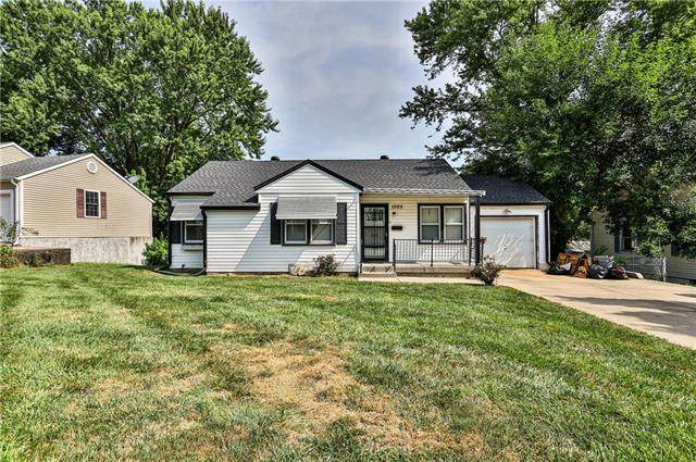 1005 Vest Drive, Warrensburg, MO 64093 (MLS #2335152) :: Stone & Story Real Estate Group