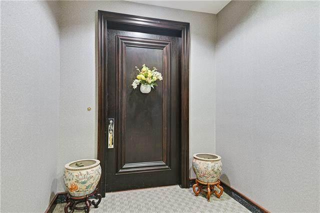 400 W 49th Street #2106, Kansas City, MO 64112 (#2335158) :: Audra Heller and Associates