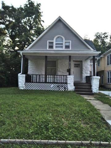 2728 Olive Street, Kansas City, MO 64109 (#2335305) :: The Shannon Lyon Group - ReeceNichols