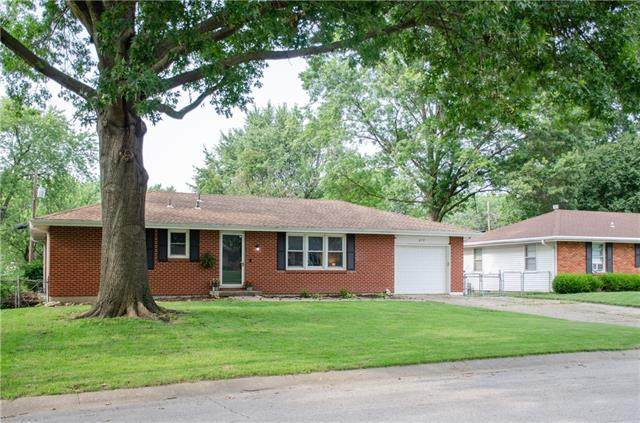 412 Stuart Street, Liberty, MO 64068 (#2335405) :: Team Real Estate
