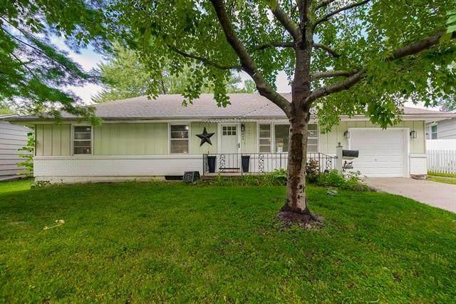 406 NE Florence Avenue, Lee's Summit, MO 64063 (#2335445) :: Dani Beyer Real Estate