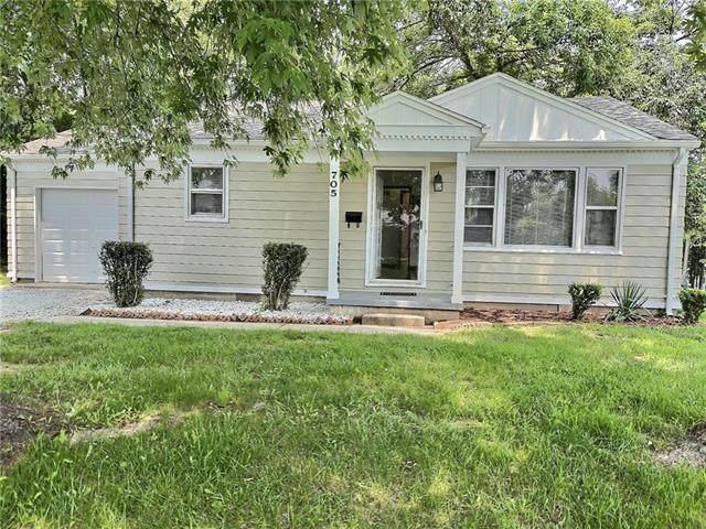 705 W Burton Street, Nevada, MO 64772 (#2335450) :: Eric Craig Real Estate Team