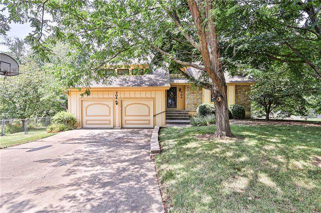 704 SW New Orleans Court, Lee's Summit, MO 64081 (#2335467) :: The Shannon Lyon Group - ReeceNichols