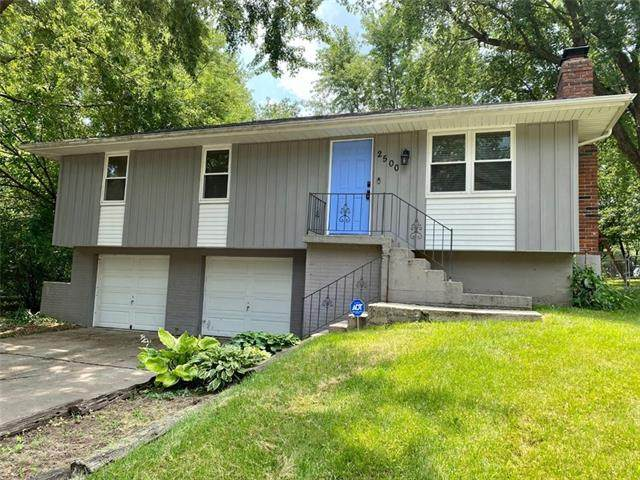 2500 SW South Court, Blue Springs, MO 64015 (#2335591) :: Team Real Estate