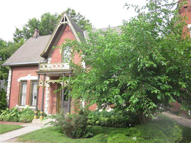 720 S 10th Street, St Joseph, MO 64501 (#2335646) :: The Shannon Lyon Group - ReeceNichols