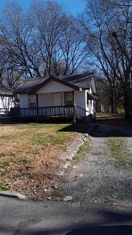 6915 Agnes Avenue, Kansas City, MO 64132 (#2335651) :: Audra Heller and Associates