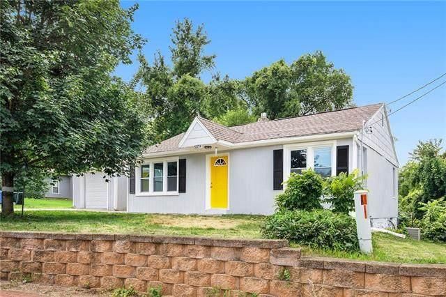 5034 Newton Street, Overland Park, KS 66202 (#2335660) :: Edie Waters Network