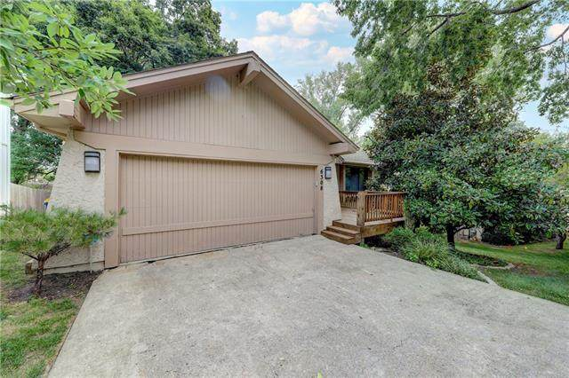 6308 W 52nd Street, Mission, KS 66202 (#2335662) :: Team Real Estate