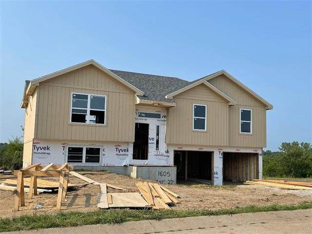 1605 W 6th Street Terrace, Knob Noster, MO 65336 (#2335687) :: Five-Star Homes