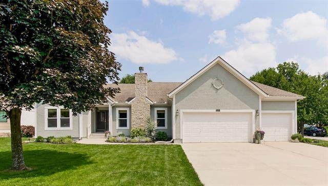 7709 Brook Court, Kansas City, MO 64139 (#2335761) :: Dani Beyer Real Estate