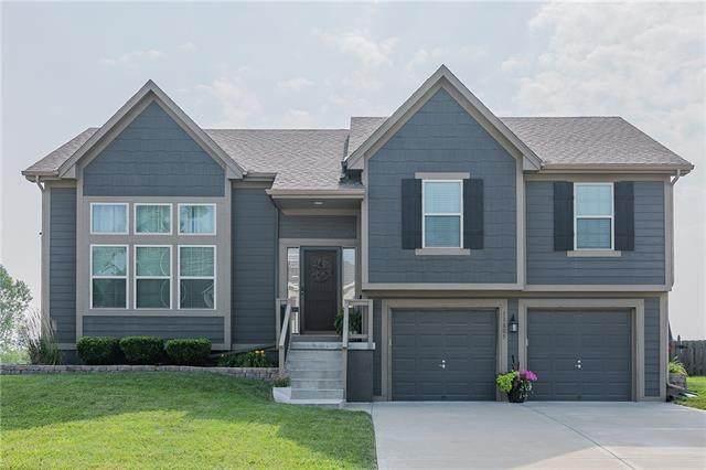11805 N Farley Avenue, Kansas City, MO 64157 (#2335783) :: Austin Home Team