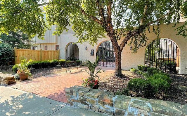 1111 W 46th Street #4, Kansas City, MO 64112 (#2335796) :: Eric Craig Real Estate Team