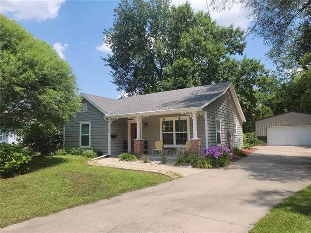 727 S Pecan Street, Ottawa, KS 66067 (#2335806) :: Tradition Home Group   Better Homes and Gardens Kansas City