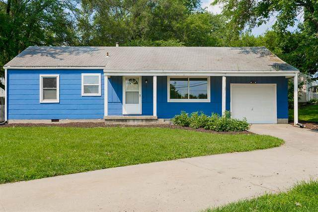 11121 W 67th Street, Shawnee, KS 66203 (MLS #2335834) :: Stone & Story Real Estate Group
