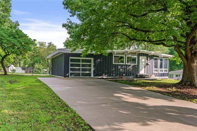 2303 NE 60TH Terrace, Gladstone, MO 64118 (#2335887) :: Eric Craig Real Estate Team
