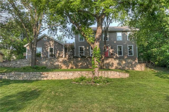 15829 Meadow Lane, Overland Park, KS 66224 (#2335905) :: Eric Craig Real Estate Team