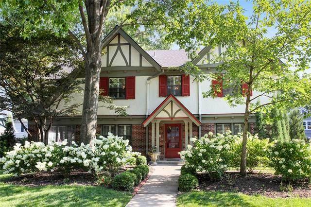 615 W 66th Terrace, Kansas City, MO 64113 (#2335938) :: Austin Home Team