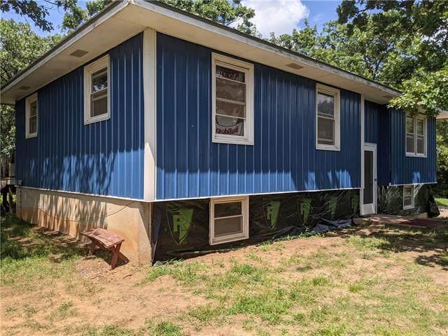 1695 E 350 Road, El Dorado Springs, MO 64744 (#2336003) :: The Rucker Group