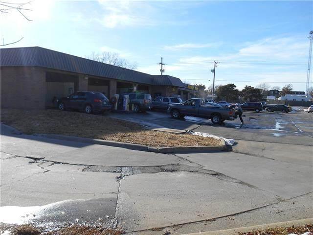 11038 W 75TH Terrace, Shawnee, KS 66214 (#2336040) :: Eric Craig Real Estate Team