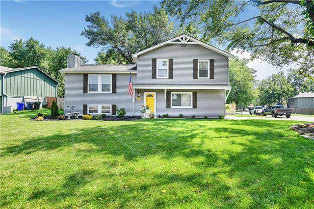 14802 W 150th Street, Olathe, KS 66062 (#2336060) :: Austin Home Team