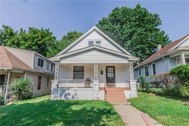 2734 Bales Avenue, Kansas City, MO 64128 (#2336071) :: Austin Home Team