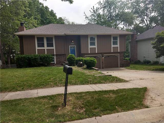 7905 N Stoddard Avenue, Kansas City, MO 64152 (#2336124) :: Ron Henderson & Associates