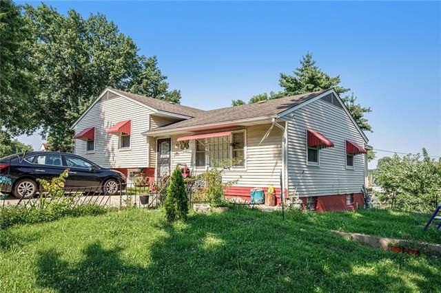 3601 Oxford Avenue, Kansas City, MO 64133 (#2336146) :: Tradition Home Group | Compass Realty Group