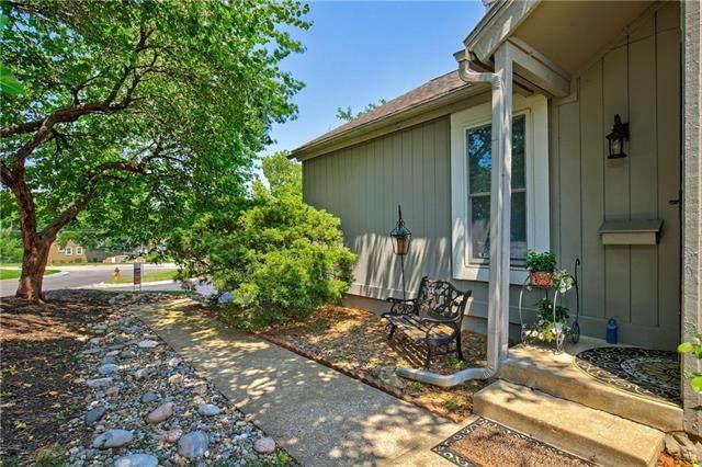 12227 W 79th Place, Lenexa, KS 66215 (#2336152) :: Eric Craig Real Estate Team
