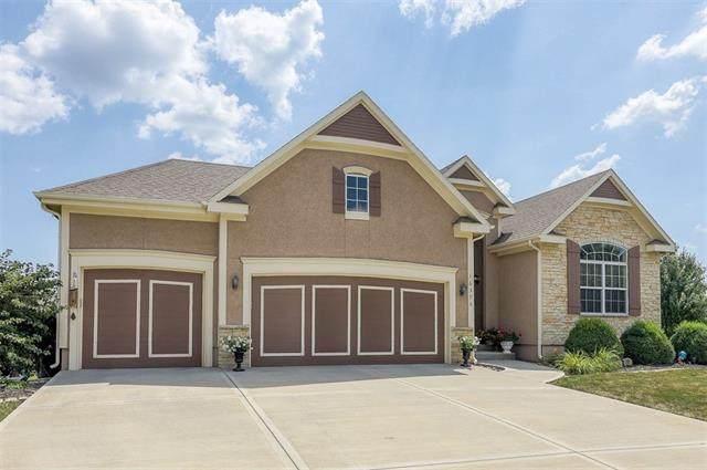 16375 W 163 Terrace, Olathe, KS 66062 (#2336181) :: Eric Craig Real Estate Team