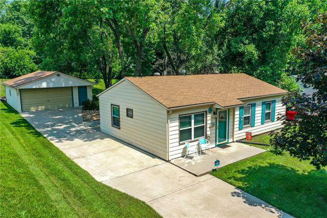 406 E 3rd Drive, Independence, MO 64050 (#2336214) :: Team Real Estate