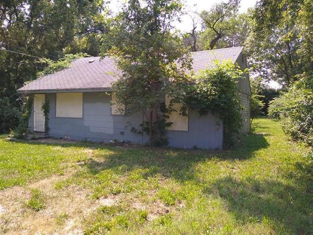 2706 S 31st Street, Kansas City, KS 66106 (#2336240) :: Austin Home Team