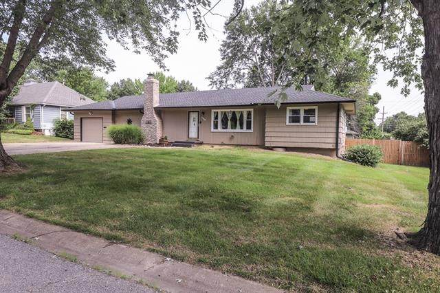 12608 E 49TH Street, Independence, MO 64055 (MLS #2336260) :: Stone & Story Real Estate Group