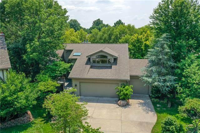 4113 NE Edgewater Court, Lee's Summit, MO 64064 (#2336262) :: Austin Home Team