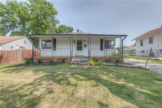 817 S Haden Street, Independence, MO 64050 (#2336266) :: The Rucker Group