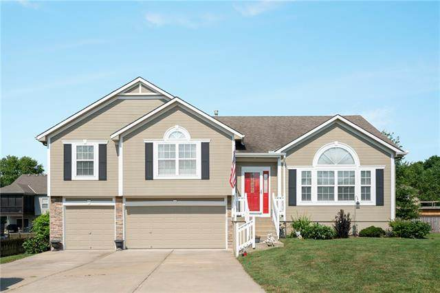610 Timber Crest Court, Raymore, MO 64083 (#2336291) :: Five-Star Homes