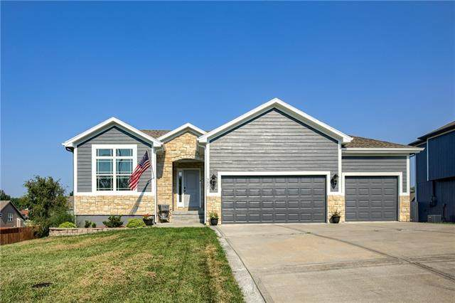 3021 N 158th Street, Basehor, KS 66007 (#2336349) :: Tradition Home Group | Compass Realty Group