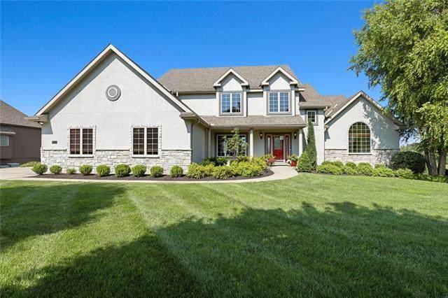8015 Breckenridge Street, Parkville, MO 64152 (#2336375) :: SEEK Real Estate
