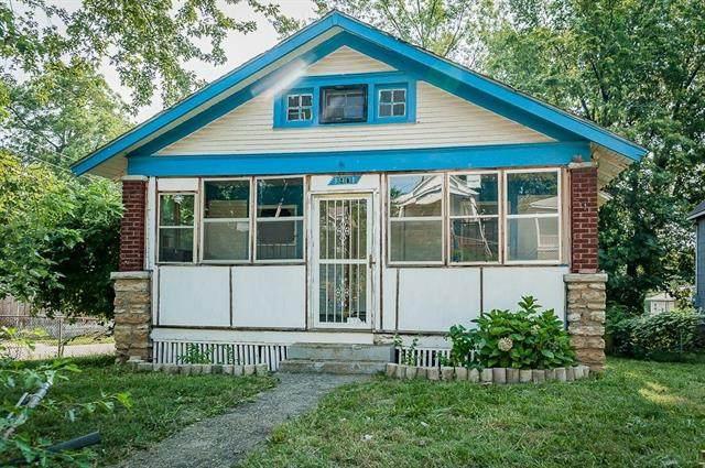 1901 Kensington Avenue, Kansas City, MO 64127 (#2336464) :: Austin Home Team