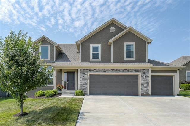 19821 W 121st Street, Olathe, KS 66061 (#2336488) :: Eric Craig Real Estate Team