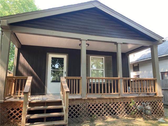 5830 E 15th Terrace, Kansas City, MO 64126 (#2336492) :: Ron Henderson & Associates